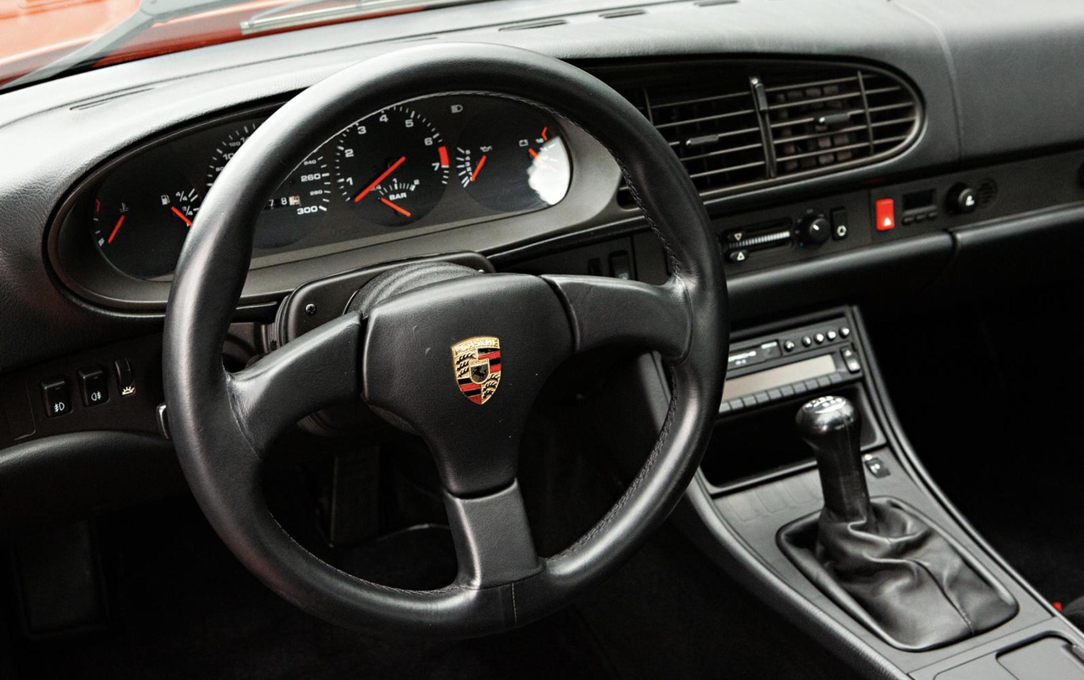 Porschee 968 interior